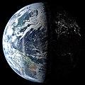 Earth (36708117201).jpg