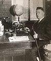 Edmund Schiefeling Schreibtisch.JPG