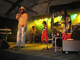 Eek-A-Mouse - Image: Eek A Mouse with band (Swea reggae festival, 2006)