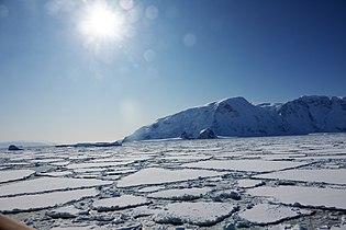 Eis in der Glacier Strait.jpg