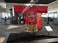 Ekspozicio en la flughaveno en Honkongo 01.jpg