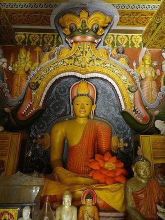 Embekka Devalaya - Image: Embekka Devalaya 48