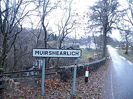 Entering Muirshearlich on B8004 - geograph.org.uk - 1053273.jpg