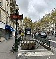 Entrée Station Métro Rue Boulets Paris 6.jpg