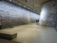 Entrée du Louvre médiéval.jpg
