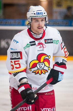 Erik Karlsson - Karlsson playing for Jokerit during the 2012–13 NHL lockout.