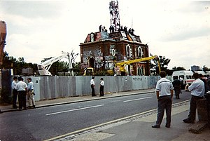 M11 link road protest - The eviction on Fillebrook Road, Leytonstone in June 1995