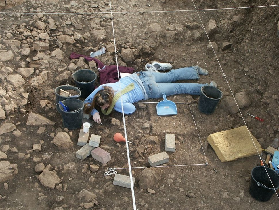 Excavating Natufian strucutre at el-Wad Terrace