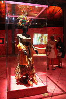 Mannequin under glass, dressed as Miranda