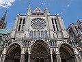 Exterior of Cathédrale Notre-Dame de Chartres 2.jpg