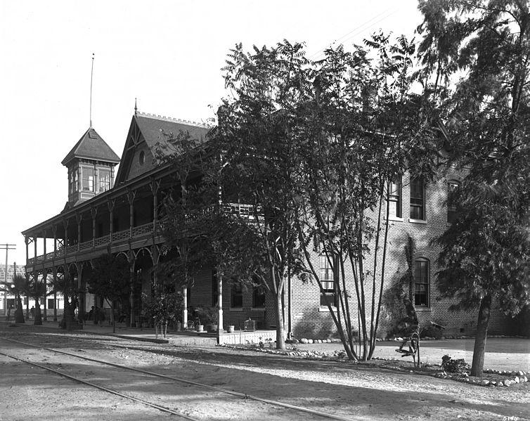 File Exterior View Of Lucky Baldwin S Oakwood Resort Hotel
