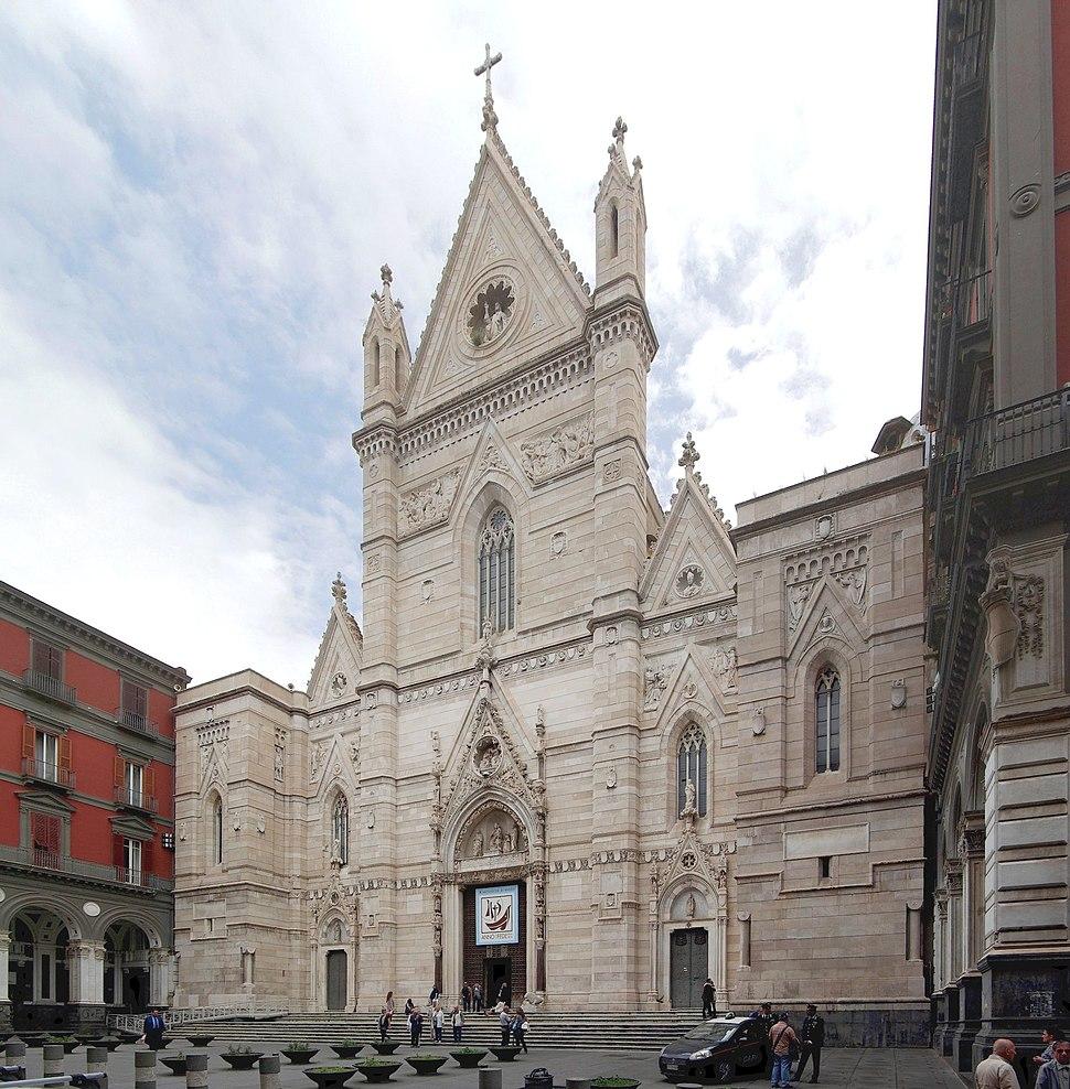 Facciata Duomo di Napoli - BW 2013-05-16
