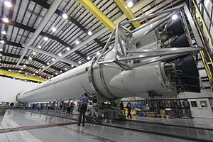 Falcon 9 at SLC-40 during media event (KSC-2011-7886).jpg