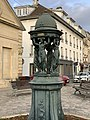Fontaine Versepuy Chantilly 2.jpg