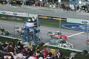 Ford EcoBoost 200 - The 2006 field being told that there was one lap remaining
