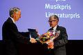 Forfattaren Gyrdir Eliasson mottar Nordiska Radets litteraturprispris vid Nordiska Radets session 2011 i Kopenhamn.jpg
