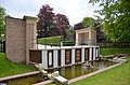 Fountain and shell gallery palace Loo Apeldoorn, a lovely walking Park - panoramio.jpg