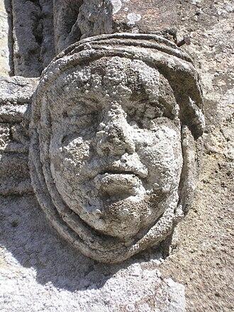 Vaucelles - Sculpture on the church