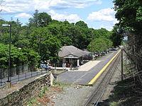 Franklin - Dean College MBTA station, Franklin MA.jpg