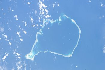English: Funafuti (Tuvalu) from space Magyar: ...