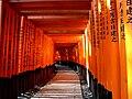Fushimi Inari-taisha 千本鳥居 2012-2.jpg