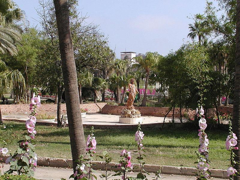 أصحابى وصحباتى ..تعرف / تعرفي على اجمل الحدائق في العالم / موضوع متجدد - صفحة 2 800px-GD-EG-Alex-Antoniadis02