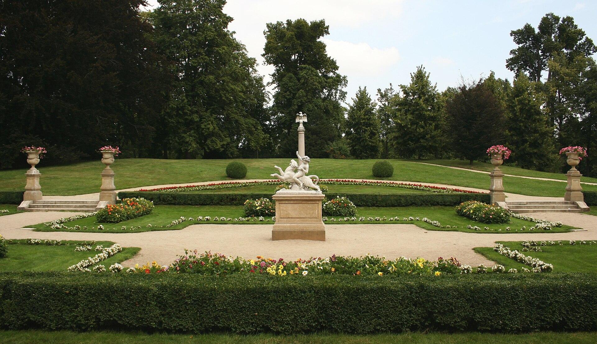 Garden in Łańcut, Poland.jpg