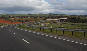 Lewis Bandt Bridge - Looking south along the Ring Road to the Lewis Bandt Bridge