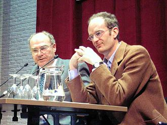 Giles Scott-Smith - Giles Scott Smith (right) with Karel van Wolferen at a book presentation (2005)