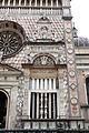 Giovanni antonio amadeo, facciata della cappella colleoni, 1472-75, finestra di dx 00.JPG
