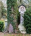 Grabstein Hauptfriedhof Freiburg jm89807.jpg