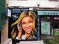 Graffiti de Beyonce en Móstoles.jpg