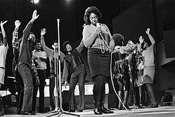 Grand Gala du Disque in RAI Amsterdam. Repetities. Edwin Hawkins Singers tijdens, Bestanddeelnr 923-2979.jpg