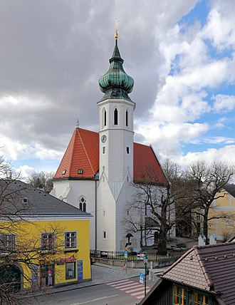 Grinzing - The parish church in Grinzing