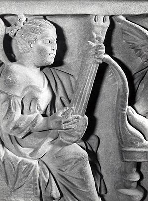 Pandura - Image: Guitar type instrument depicted on an ancient Roman sarcophagus in marble, British Museum number 1805,0703.132
