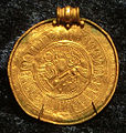 Guldbrakteat fr Viglanda Skånings-Åsaka sn kopia (2M16-B1074) 9770.jpg