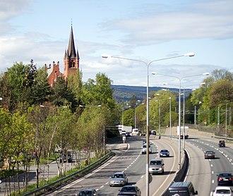 Høvik - European route E18 and the local church