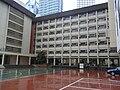 HK Causeway Bay 聖保祿學校 Saint Paul's Convent School facade 操場 Basketball courts Carpark rainy day.JPG