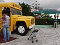 HK Shatin 史諾比開心世界 Snoopy's World yellow school bus head n visitors May 2016 DSC.JPG