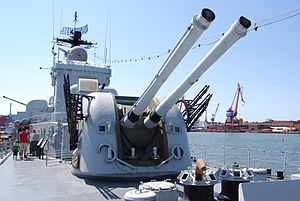 HMS Smaland, forward 120 mm turret.JPG