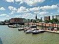 Hamburger Binnenhafen mit Michel.jpg