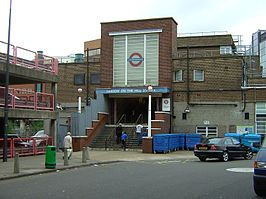 Harrow-on-the-Hill tube station.JPG
