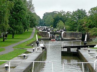 Warwickshire ring - Two boats entering lock 44 of the Hatton flight, the third from the top