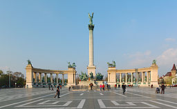 Heroes Square Budapest 2010 01.jpg