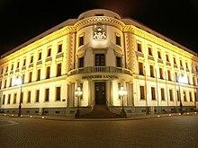 Hessischer Landtag Wiesbaden bei Nacht.jpg