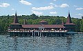 Heviz - Lago con le terme - panoramio.jpg