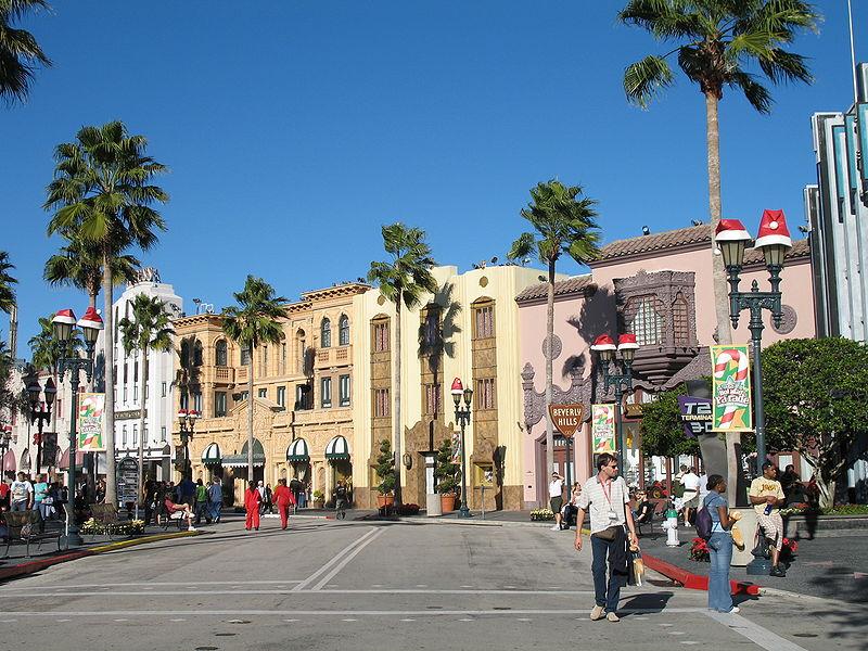 800px-Hollywood_at_Universal_Studios_Florida.jpg