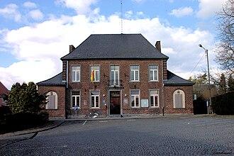 Les Bons Villers - Image: Hotel De Ville Frasnes