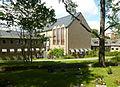 Huddinge kommunalhus Tomtberga kyrkogård 2012.jpg