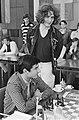 IBM schaaktoernooi 2e ronde Timman kijkt bij Ljubojevic, Bestanddeelnr 929-8176.jpg